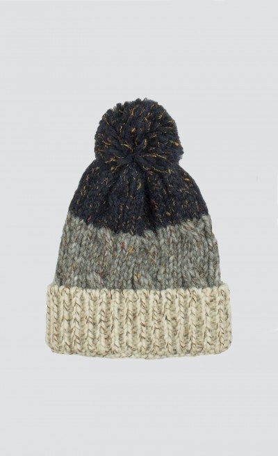 Cappello con pon pom color block